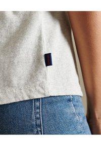 Superdry - VINTAGE LOGO  - Basic T-shirt - off white marl - 4