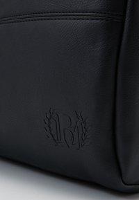 Burton Menswear London - BARREL BAG - Weekend bag - black - 3