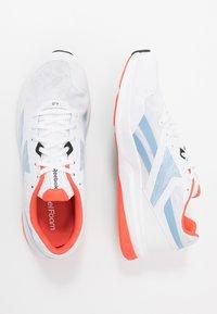 Reebok - RUNNER 4.0 - Zapatillas de running neutras - white/vivid orange/blue - 1