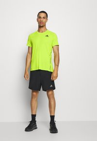 adidas Performance - ADI RUNNER TEE - T-shirt print - green - 1