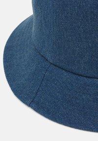 Pieces - PCDENIMA BUCKETHAT - Hat - blue denim - 3