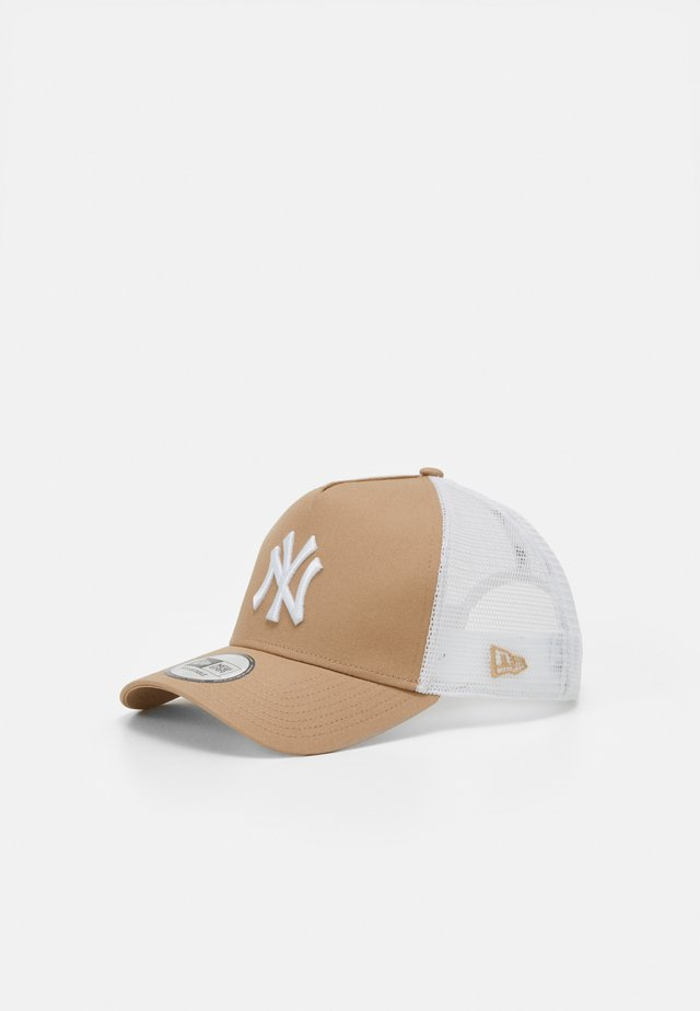LEAGUE ESSENTIAL TRUCKR NEYYAN - Casquette - camel/white