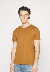 Burton Menswear London - TEE 3 PACK - T-shirt - bas - multi - 1