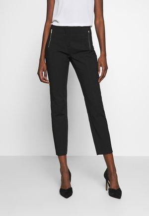 BASIC SLIM TROUSERS - Pantalones chinos - black