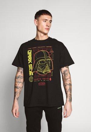 DARK SIDE TEE - Print T-shirt - black