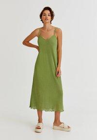 PULL&BEAR - MIT LOCHMUSTER - Day dress - light green - 0