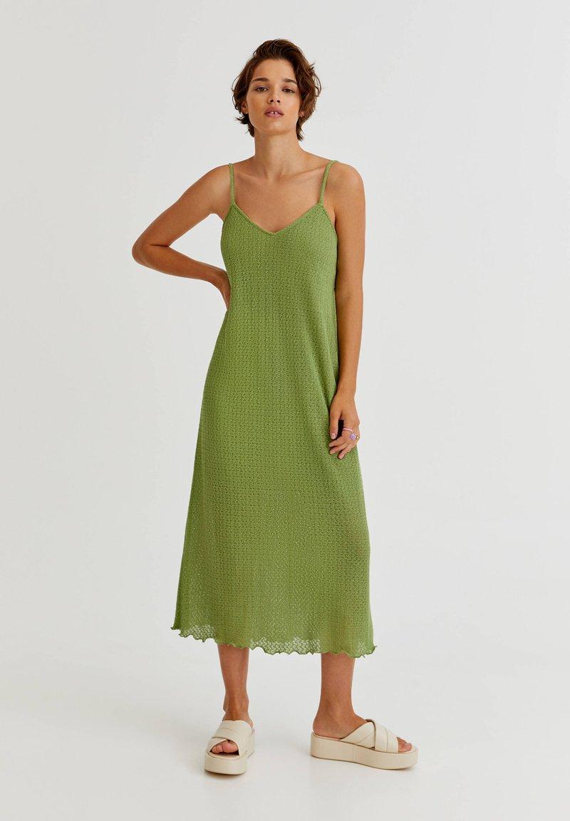 PULL&BEAR - MIT LOCHMUSTER - Day dress - light green