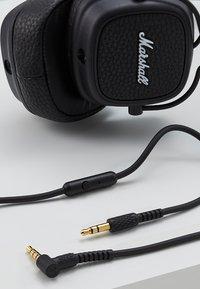 Marshall - MAJOR III EIN-TASTEN-FERNBEDIENUNG MIT MIKROFON - Headphones - black - 5