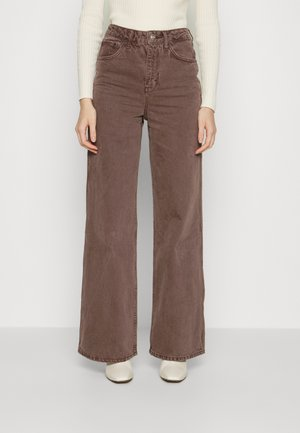 CHOC PUDDLE - Bootcut jeans - brown