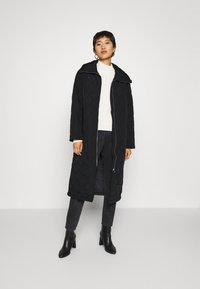 Lindex - COAT ANDIE QUILT - Klasický kabát - black - 1
