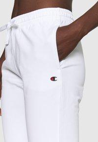 Champion - CUFF PANTS - Teplákové kalhoty - white - 4