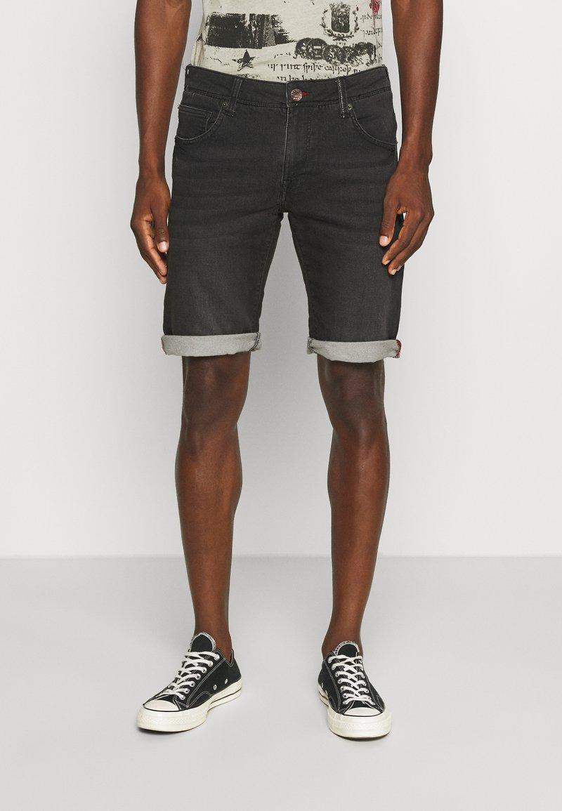 Petrol Industries - JEFFERSON - Denim shorts - black stone