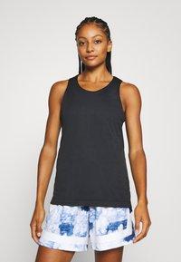 Nike Performance - FLY REVERSIBLE - Funkční triko - hyper royal/black - 3