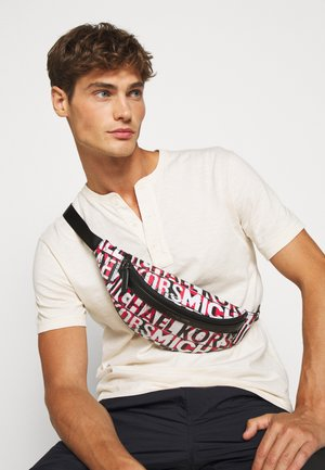 GREYSON SMALL HIP BAG UNISEX - Rumpetaske - black