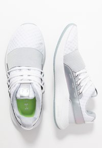 Under Armour - CHARGED BREATHE IRD - Treningssko - white - 1