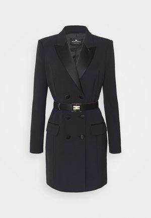 WOMEN'S DRESS WITH BELT - Robe fourreau - black