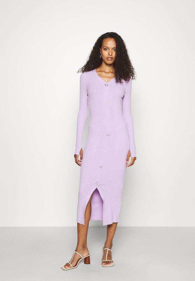 SAFFAT - Strikket kjole - bright purple