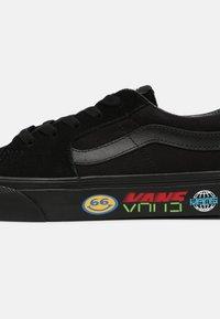 Vans - SK8 UNISEX - Skate shoes - black - 4