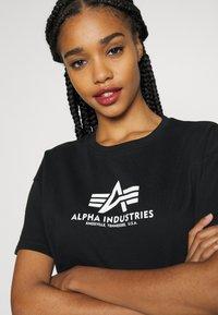 Alpha Industries - BOXY - Print T-shirt - black - 5