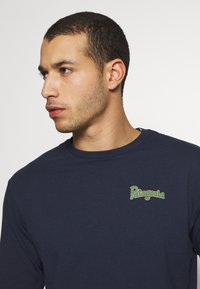 Patagonia - YES TO WILDERNESS RESPONSIBILI TEE - T-shirt à manches longues - new navy - 3