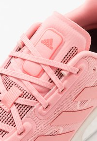 adidas Performance - SUPERNOVA - Neutral running shoes - glow pink/signal pink - 5