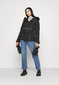 Missguided - SKI JACKET WITH MITTENS AND BUMBAG  - Winter jacket - black - 1