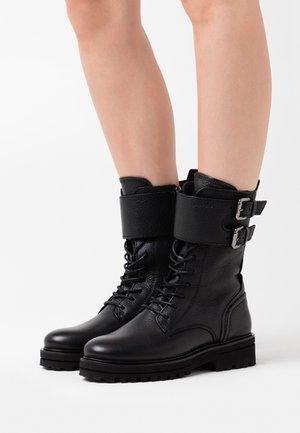 LICIA - Stivali con plateau - black