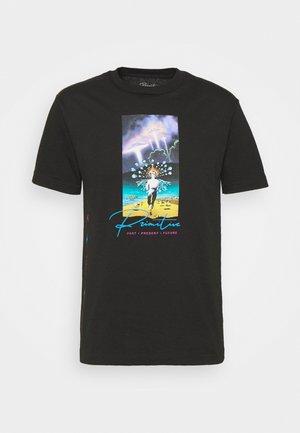 SYSTEMS TEE - Print T-shirt - black