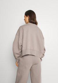 Nike Sportswear - TREND CREW - Bluza - moon fossil - 2