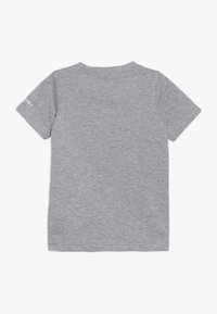 Converse - AMERICANA SHOES TEE - T-shirt con stampa - dark grey heather - 1