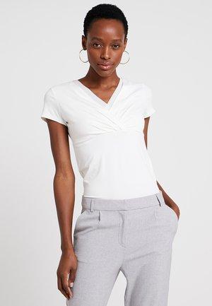 OVERLAP - Camiseta estampada - off white