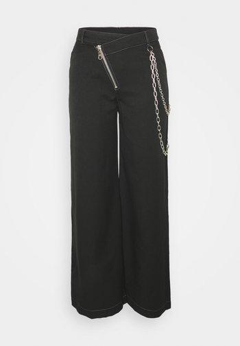 DROPOUT PANT - Pantaloni - black