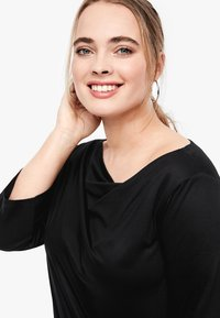 Triangle - MIT WASSERFALL - Long sleeved top - black - 4