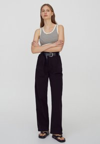 PULL&BEAR - Kalhoty - black - 1