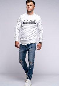 Jack & Jones - ELEMENTS  - Sweatshirt - white melange - 1