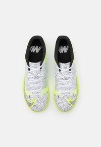 Nike Performance - MERCURIAL VAPOR 14 ACADEMY IC - Indoor football boots - white/black/metallic silver/volt - 3