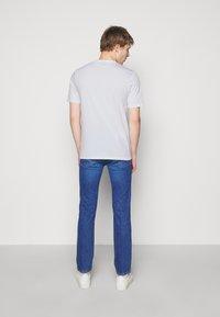 HUGO - DICHIBAN  - Print T-shirt - white - 2