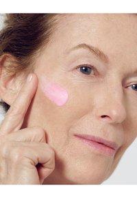 L'Oréal Paris Skin - AGE PERFECT GOLDEN AGE DAY CREAM SPF20 50ML - Face cream - - - 6