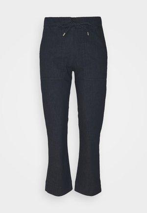 PAZZO - Flared Jeans - nachtblau