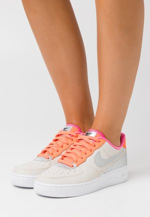 AIR FORCE 1 - Sneakers - light orewood brown/silver/hyper crimson/metallic silver/pink blast/black