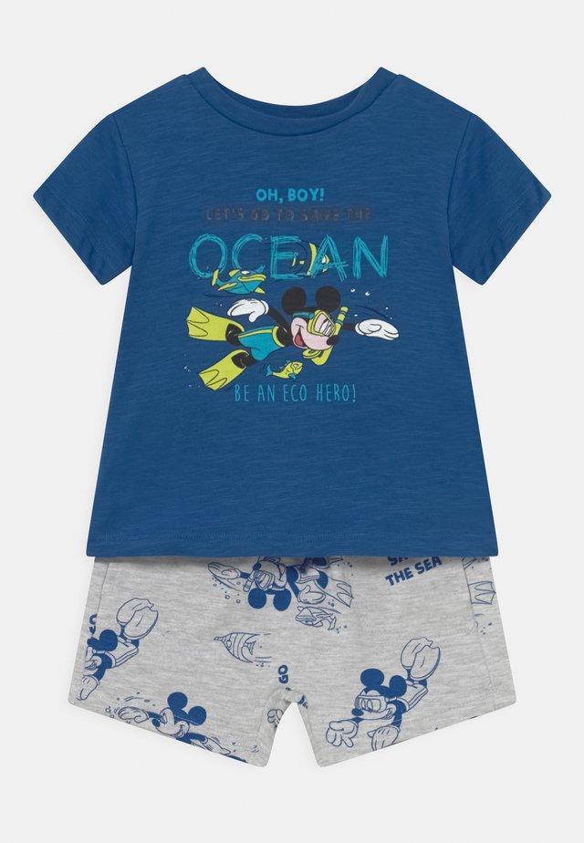 SET - T-shirt imprimé - victoria blue