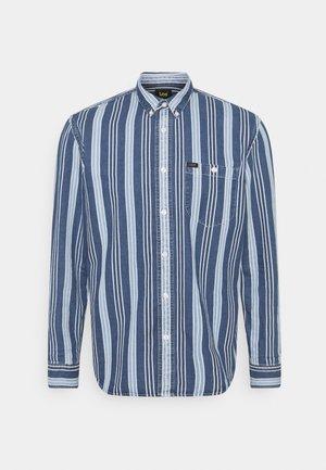 RIVETED SHIRT - Skjorta - indigo
