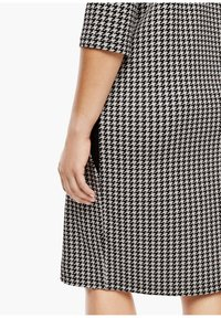 Triangle - Jersey dress - black houndstooth aop - 3