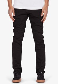 DC Shoes - WORKER - Slim fit jeans - black rinse - 0
