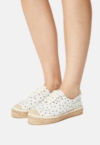 Even&Odd - Zapatos con cordones - beige - 0
