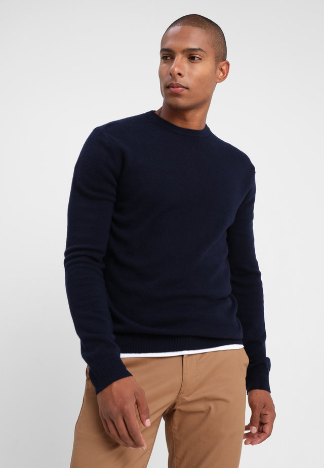 BASIC CREWNECK - Strikkegenser - navy