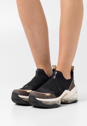 OLYMPIA SLIP ON EXTREME - Nazouvací boty - brown