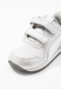 Puma - CABANA RACER GLITZ  - Baskets basses - silver/white/gray violet - 2