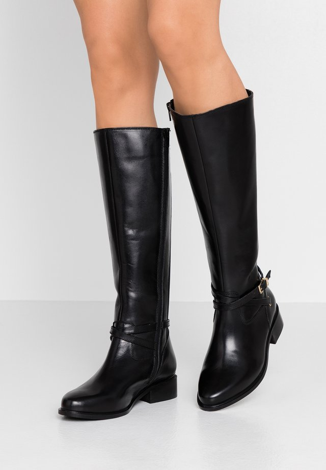 WIDE FIT TRUE - Botas - black