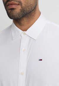 Tommy Jeans - ORIGINAL STRETCH SLIM FIT - Shirt - classic white - 3